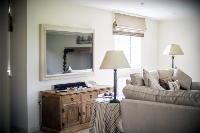 Private house Wiltshire 50inch Mirror TV, Sonos playbar installation-2jpg