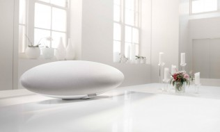 Bowers & Wilkins Zeppelin Wireless: Limited Edition White